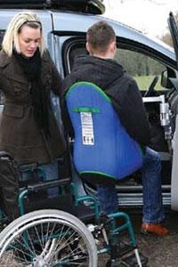 ein und ausstiegshilfen f r autofahrer mit behinderung. Black Bedroom Furniture Sets. Home Design Ideas